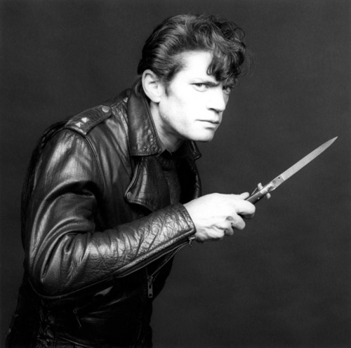 robert_mapplethorpe_knife