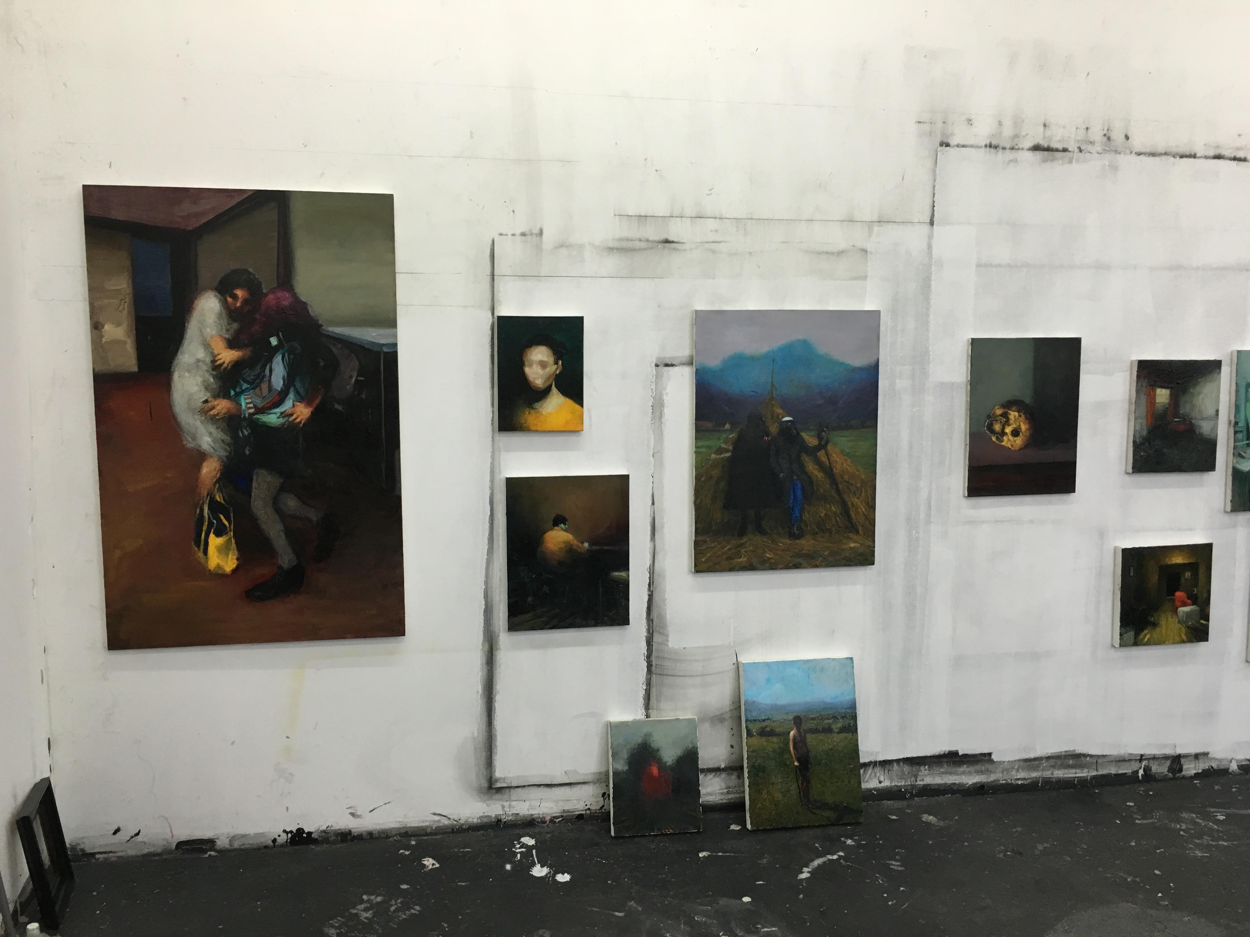 Szabolcs Veres Arbeiten in seinem Atelier in der Fabrica de Peinsule im Februar 2016, Cluj, Rumänien